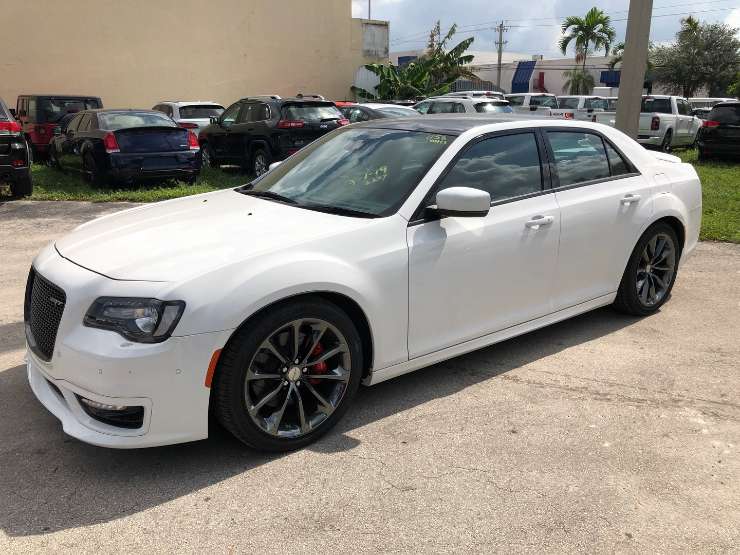33644 - Special Factory Offers - RHD - 2018 Chrysler 300C SRT8 6.4L Petrol 8-Speed AT